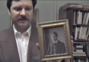 Laszlo viser billedet